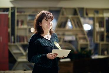 """Яна Букова е тазгодишният носител на национална награда за поезия """"Иван Николов"""""""