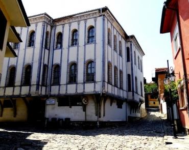 Половин милион евро обезщетение плаща България на собствениците на Синята къща