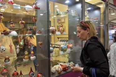 Социалното предприятие откри свой магазин в подлеза на Тримонциум - ГАЛЕРИЯ